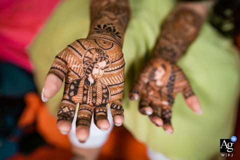 Mehndi ceremony of the bride in Ahmedabad, India