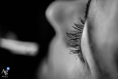 A detail image of the eyelashes during bride's make up at the Villa Tosca