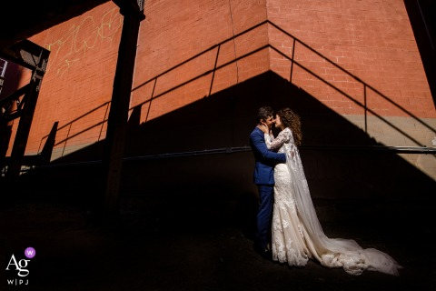 chicago downtown	artistic wedding bride and groom portraits