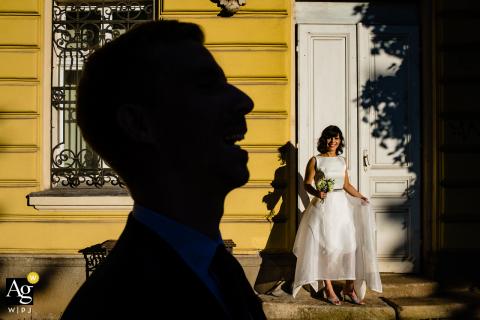Sofia, Bulgária Retrato engraçado do dia do casamento