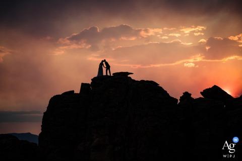 Fotografia artística de casamento de Estes Park de uma silhueta no RMNP
