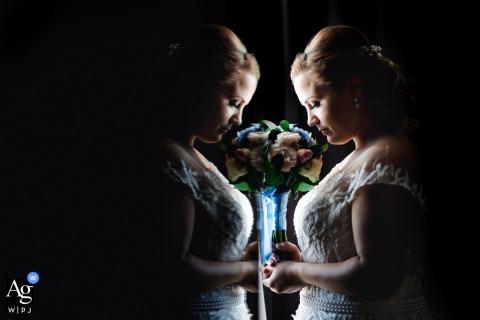 Best Western Inter Expo Hotel, Sofia retrato do reflexo da noiva com suas flores