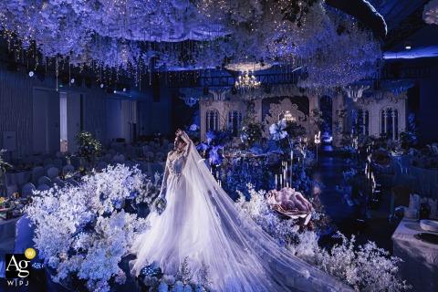 Retrato artístico de casamento da noiva em Zhejiang em um hotel na China