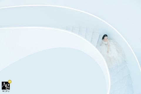 Wenzhou, Zhejiang artistic wedding photo from a hotel on the white stairs