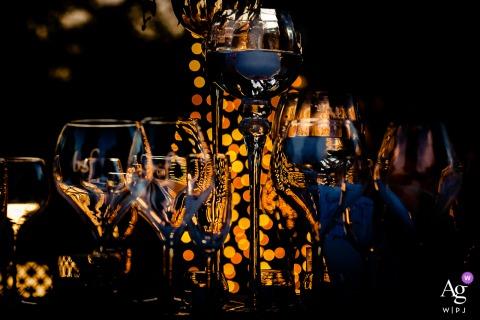 Détail de mariage Orvieto image de verres mis en place sur la table à Borgo San Faustino
