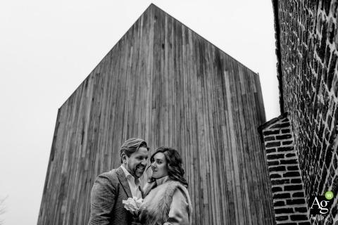 Chicago Board of Trade paar poseren voor bruiloft afbeeldingen