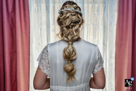 Jaén, Spain artful style wedding detail picture of the bride's hairstyle for the wedding day