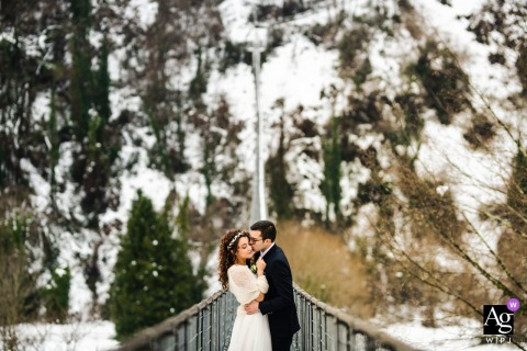Ponte Sospeso, Tuscany wedding artistic image session for a couple portrait during a winter Covid wedding