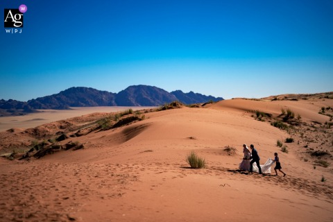 Wolwedans Namibia wedding venue outdoor photography showing a hot Wedding in the desert