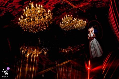 Séance d'image artistique du couple de mariage de Deidesheim dans la cave à vin en Allemagne