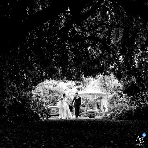 Casalpusterlengo, Italy wedding couple artistic image session showing the bride and groom are Ready to go through the tunnel