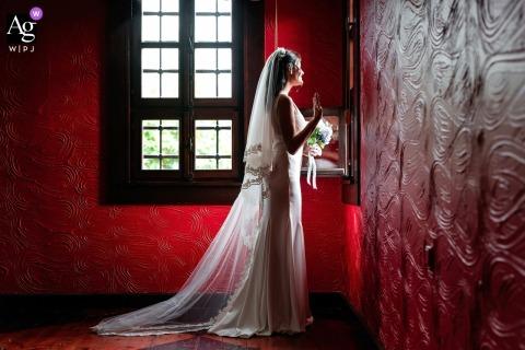 Bursa, Bey Konagi wedding bride artistic image session with lights and red walls