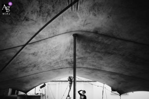 Quiberon, France wedding venue outdoor tent photography showing the Installation of the structure of the ceremony