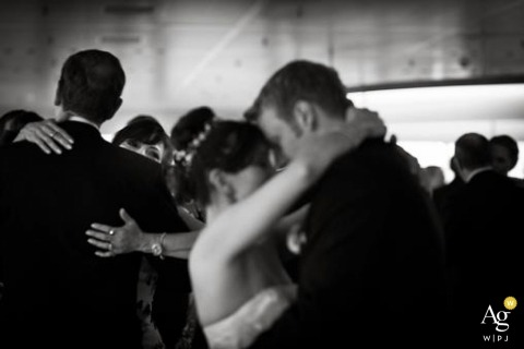 Hamburg Wedding Photographer | Image contains: bride, groom, black and white, portrait, dancing, wedding guests