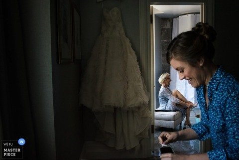 Boston bride getting ready for the wedding - Massachusetts wedding photojournalism
