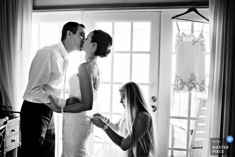 Key West bride and groom kiss before the wedding | Florida wedding photography