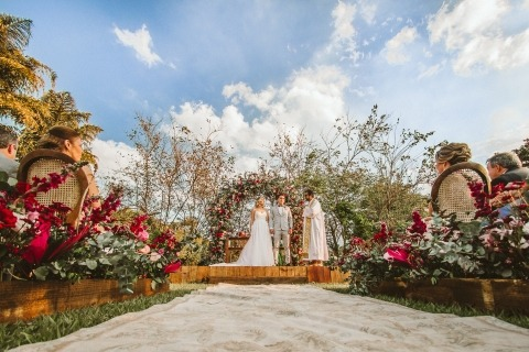 Outdoor Wedding Ceremony Photographer Wander Menezes of Minas Gerais, Brazil
