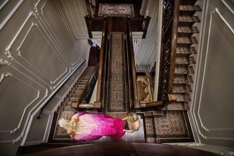 Todd Laffler es un periodista fotográfico de bodas con sede en Nueva Jersey que fotografía novias y novios en todo el estado y en Nueva York.