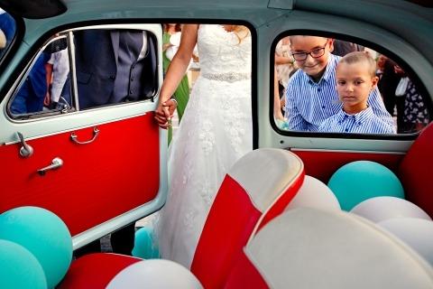 El fotoperiodista de bodas, Danilo Coluccio, de Reggio Calabria, trabaja en toda Italia para clientes que desean fotos premiadas de sus bodas.