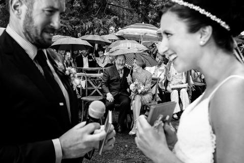 Le photographe de mariage de Lake Tahoe, Shaunte Dittmar, a documenté ce moment lors de la cérémonie avec les futurs mariés et leurs parents.