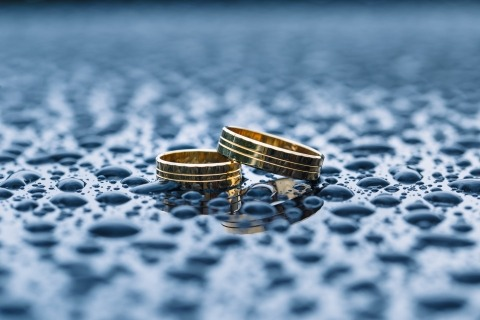 Ring Detail Wedding Photographs by Romuald Gniewek of Dolnoslaskie, Poland