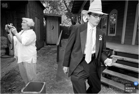 Western themed cowboy showdown wedding in Texas