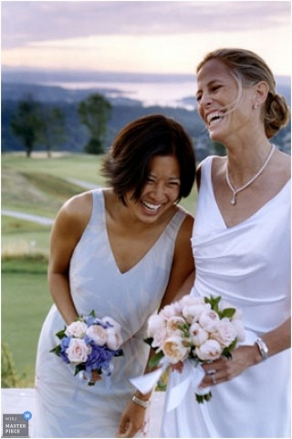 Minnesota Image on wedding day of the bride and maid of honor at the golf course