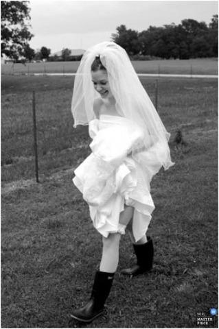 Wedding Photographer Natalie Galyon of ,