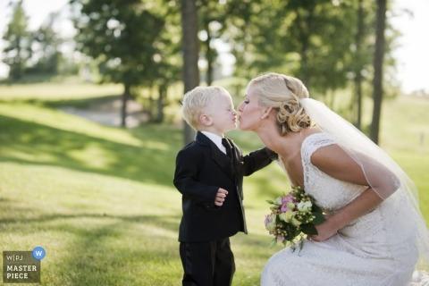 Wedding Photographer Damien Gaudet of Massachusetts, United States