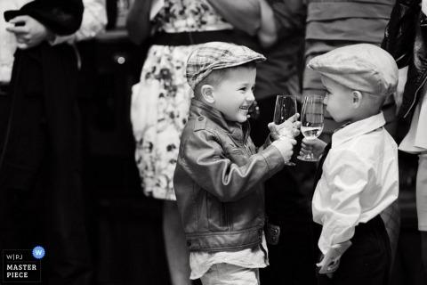 Hochzeitsfotograf in Mielec | Bild enthält: Jungen, Brille, Empfang, Hochzeitsgäste, Kinder, Kinder