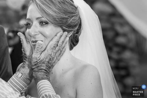 Documentary Wedding Photograph in Bahia | Image contains: father, hands, bride, face, ceremony, black, white