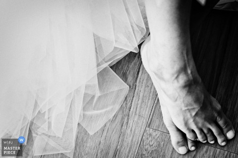 Wedding Photojournalism in Venice | Image contains: detail, feet, bride, dress