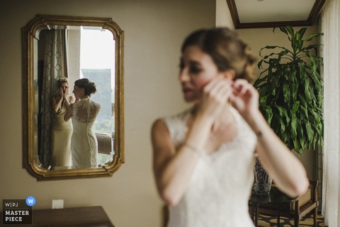 Madrid bride getting ready before the wedding - Spain wedding photography