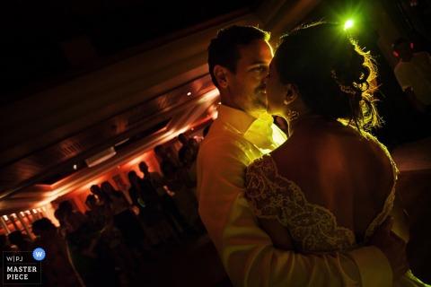 Phuket Braut und Bräutigam tanzen an der Rezeption Thailand Hochzeitsreportage