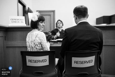 San Francisco, mariée et le marié lors de la cérémonie de fuite, civile et judiciaire | Photojournalisme de mariage en Californie