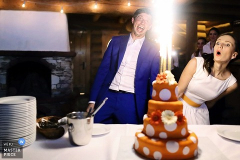 Mielec bride and groom surprised when the cakes candles light | Podkarpackie wedding photo