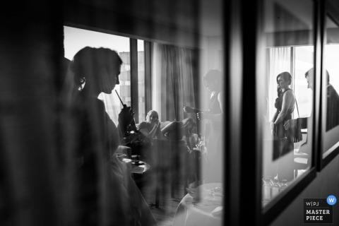 Montana bridal party enjoying the reception | United States wedding photojournalism
