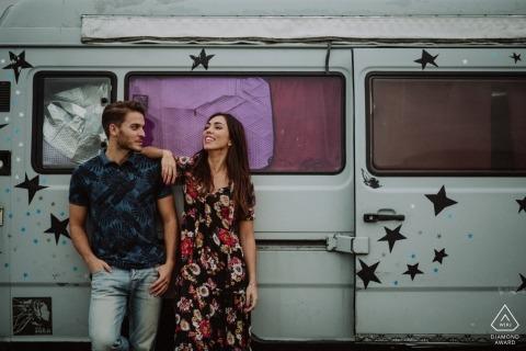 Guipuzcoa訂婚攝影師| 復古麵包車為夫婦potrait工作