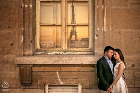 Fotoshooting mit Paris vor der Hochzeit in der Nachmittagssonne