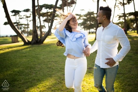Victoria Engagement Photographer | Couple potrait session at the grassy park in the sun