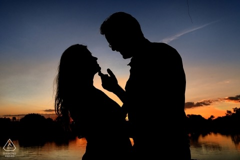 Silhouette portrait at dusk - Brazil Sunset pre-wedding photography