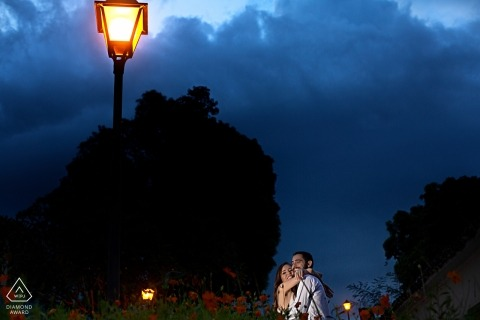 Brazil couple portraits at night - lamp post pre-wedding session