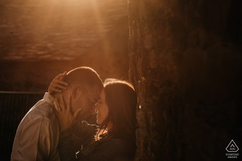 This Madrid couple basks in their love and the afternoon sun during their engagement photo shoot