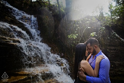 Brazil waterfalls make ideal backdrops for pre-wedding portraits