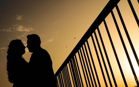 Murcia engagement portraits at sunset with graphic handrail