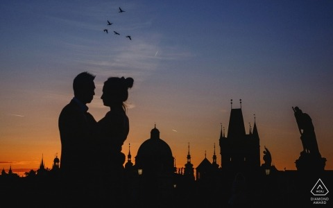 A sunrise engagement photo session on the Charles Bridge