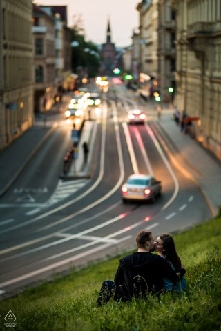 Czech Republic wedding photographer engagement portrait at dusk in the city | Prague pre-wedding pictures