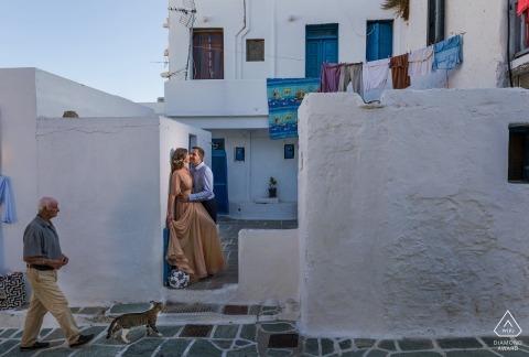 fotosessiesessie in South Aegean door een trouwfotograaf van Santorini