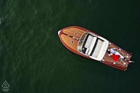 Comomeer, Italië, engagement schieten vanuit een drone van een boot op het meer