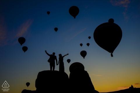 cappadocia engagement shoot met heteluchtballonnen
